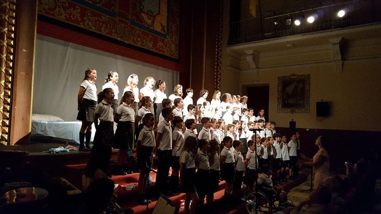Los alumnos de los Salesianos representan un teatro sobre María Auxiliadora