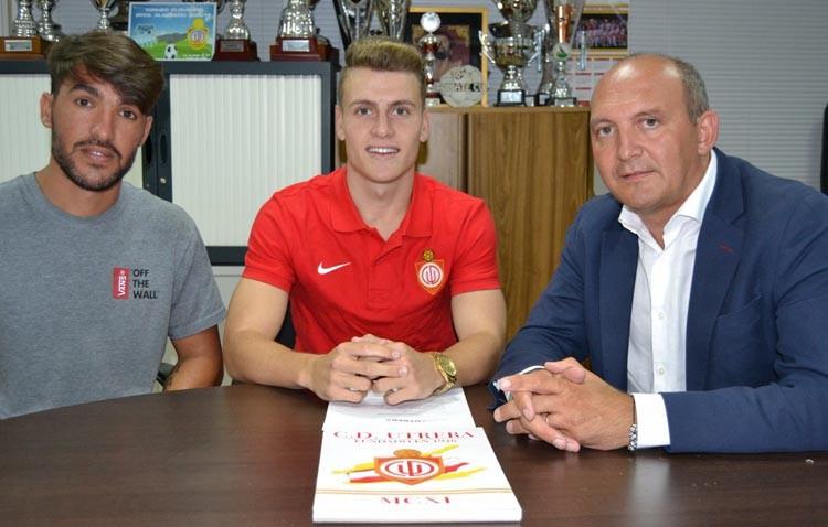 Domingo Jarana firma hasta 2019 con el C.D. Utrera