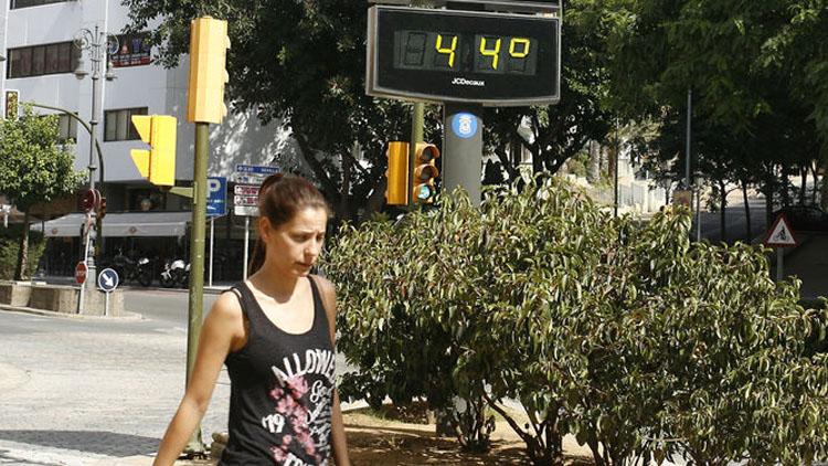 Aviso rojo en Utrera por temperaturas de hasta 44º este jueves