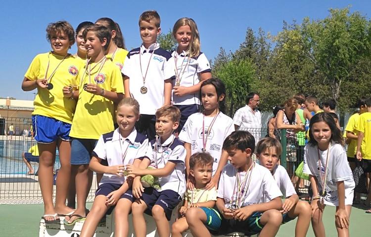Estupenda participación del Club Natación Utrera en el XXXVIII Trofeo 'La Mistela'