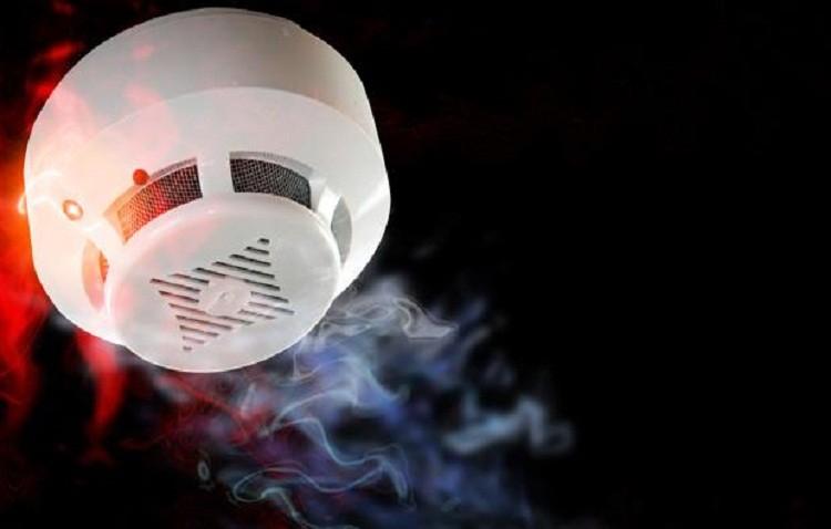 Prevención de incendios en hogares con la instalación de detectores de humo