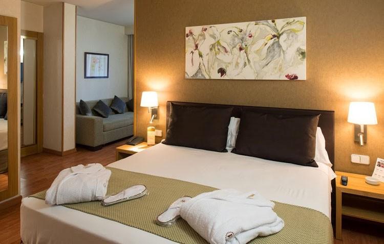 7 de cada 10 turistas roba en las habitaciones de hoteles