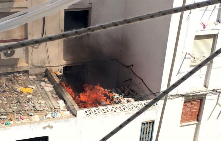 Incendio provocado en un piso de la barriada La Paz
