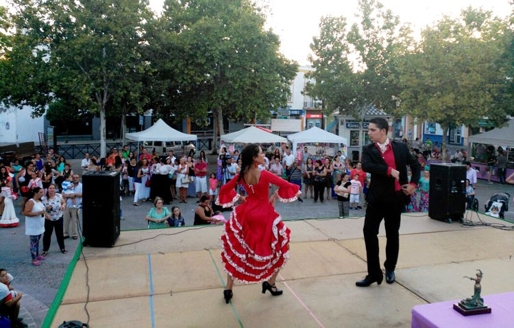 «Las manitas de Chari Valero» organiza un concurso de sevillanas