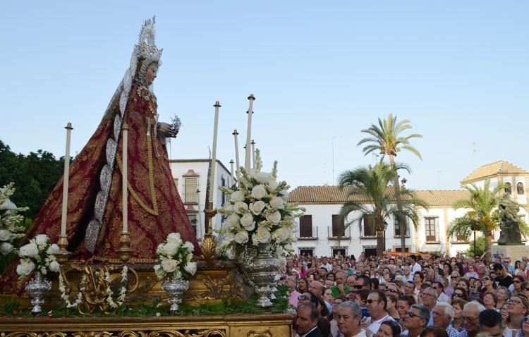 Un reencuentro con la historia de Utrera a los pies de la Virgen de la Mesa (GALERÍA)