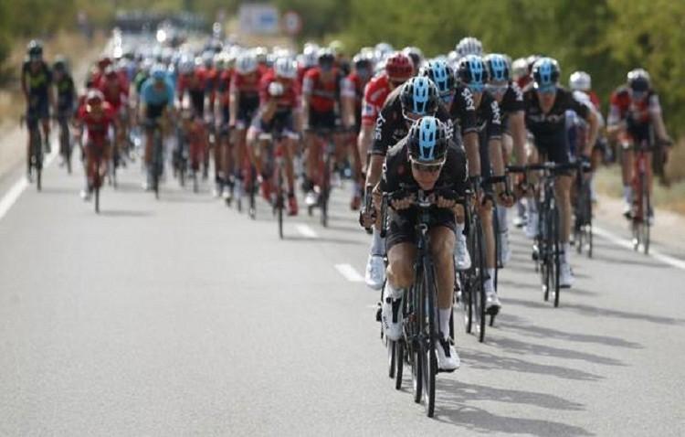 Cortes de tráfico en la autovía de Utrera por el paso de la vuelta ciclista a España