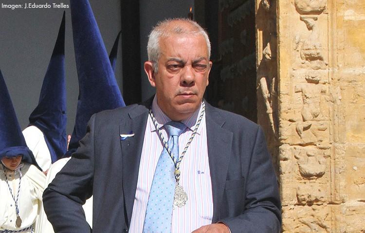 Emilio Alfaya pide perdón por su vinculación pasada con el Resucitado para poder ser hermano mayor de la Quinta Angustia