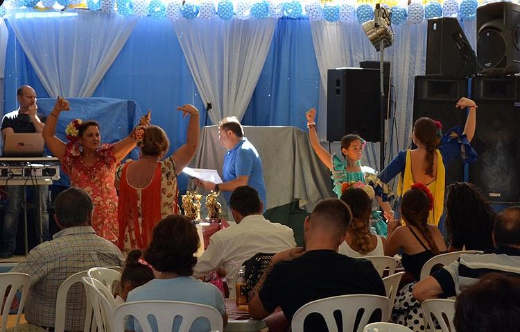 La asociación de casetas recupera el concurso de cante por sevillanas