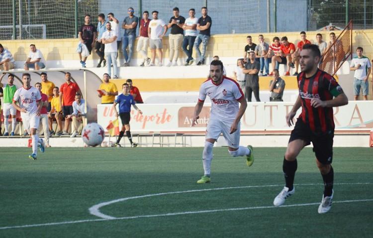 C.D. UTRERA 2 – 0 CD CABECENSE: Una victoria que acerca a los de Montoya a los play off
