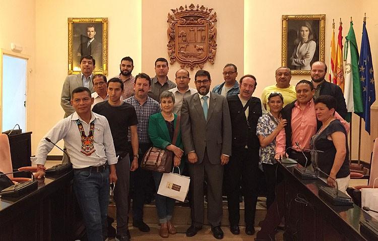 Una quincena de políticos ecuatorianos visitan Utrera en su viaje por Andalucía para conocer la gestión municipal