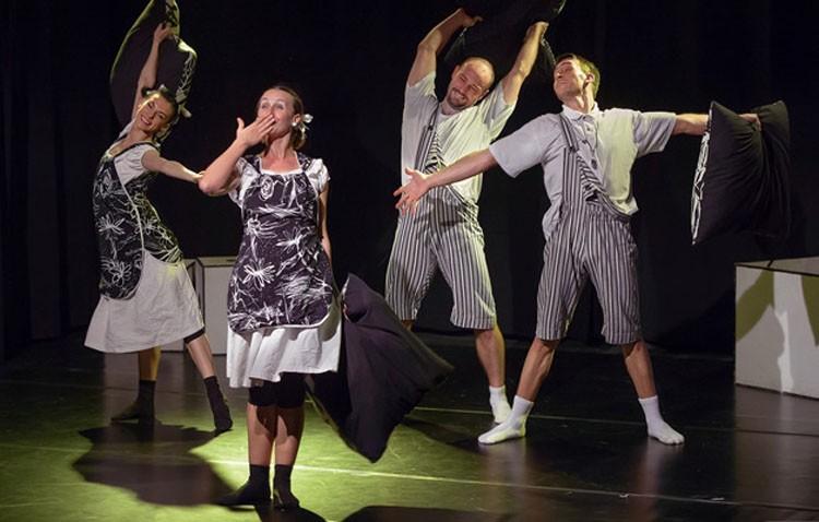 Danza contemporánea y teatro gestual para toda la familia con el espectáculo «Los colores del tic tac»