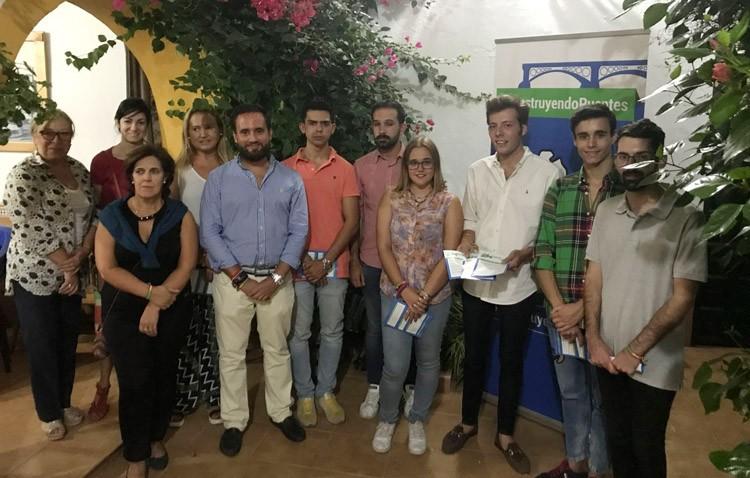 José Veira visita Utrera para recoger los avales de su candidatura a la presidencia provincial de Nuevas Generaciones