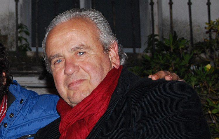El cantante Enrique Montoya «Candela», exaltador de la Navidad de la asociación belenista de Utrera