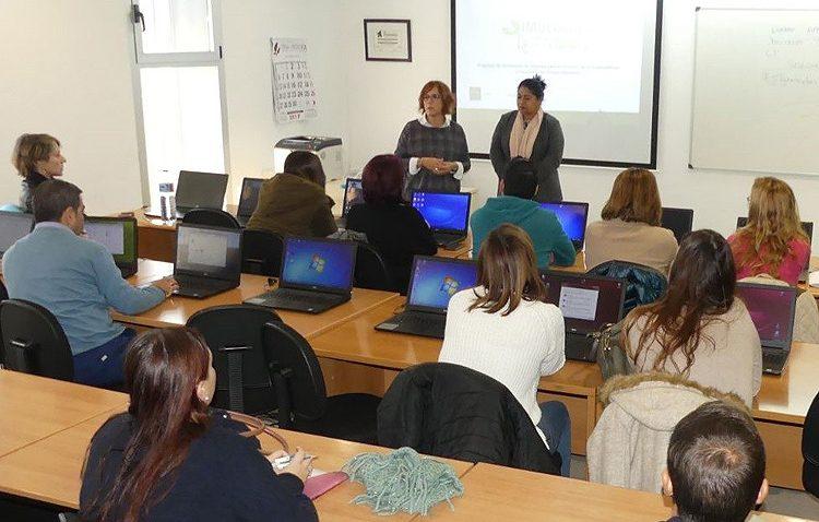 Utrera encabeza la recepción de ayudas para escuelas-taller ante su situación de desempleo