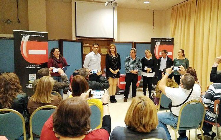 La asociación Renacer y la edil de Participación Ciudadana clausuran los actos por el Día Sin Alcohol
