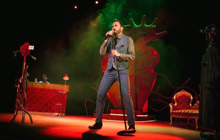 Alex O'Dogherty llenará de risas el teatro de Utrera con un espectáculo interactivo sobre el amor (VÍDEO)