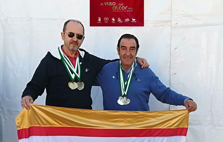 Lluvia de medallas para dos criadores utreranos en el campeonato ornitológico de Andalucía