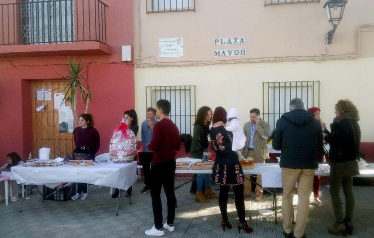 La parroquia de Trajano organiza un mercado de artesanía