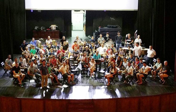Nace la banda sinfónica «Unión Musical de Utrera», que reúne a un nutrido grupo de músicos de la localidad