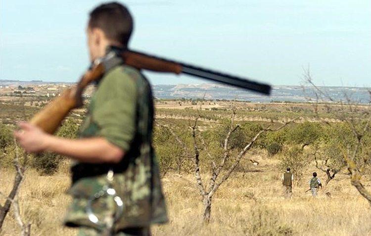Un cazador, herido por arma de fuego en una finca en Utrera