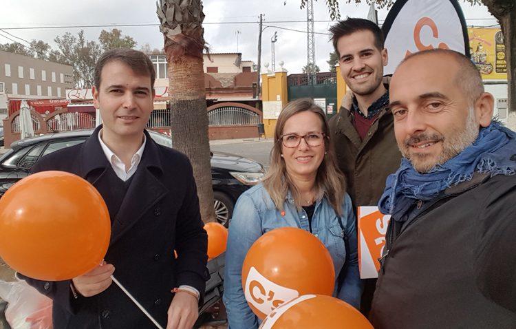 Ciudadanos acerca a los utreranos los cambios en el impuesto de sucesiones «logrados» por esta formación en Andalucía