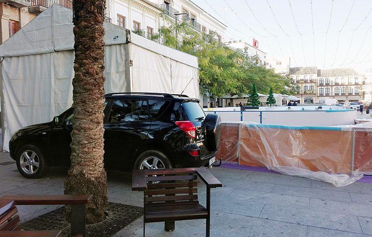 Un cómodo «aparcamiento» en la plaza del Altozano