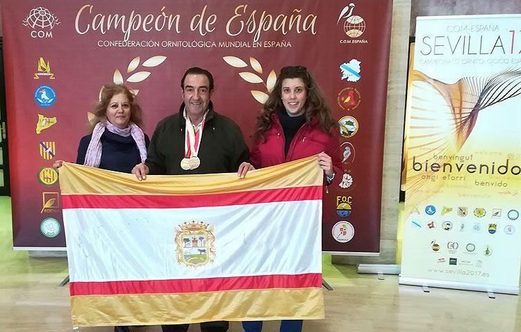El utrerano Fernando Ruiz, pentacampeón de España en ornitología