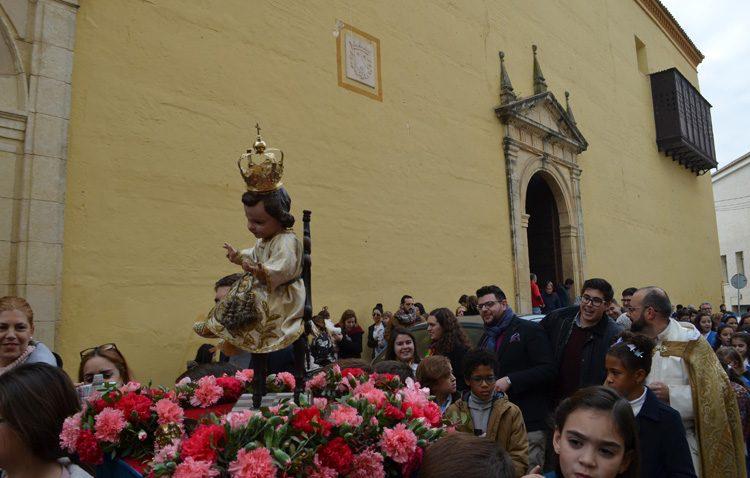El Niño Jesús de la Virgen del Socorro, protagonista de una procesión en la parroquia de Santiago