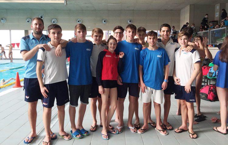 El Club Natación Utrera Comienza en el Circuito Provincial de Natación
