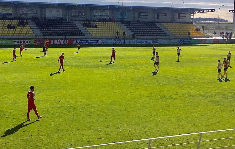CD SAN ROQUE DE LEPE 1 – 1 C.D. UTRERA: El Utrera suma su quinta jornada consecutiva invicto