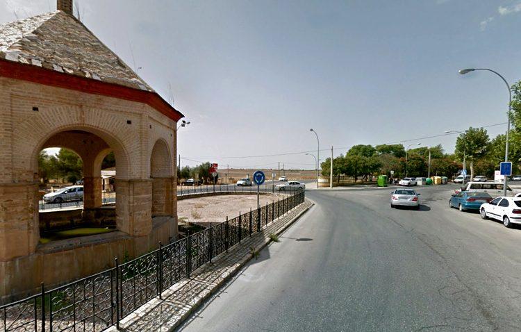 Comienza el asfaltado de Dolores Ibárruri, Cristo de los Afligidos y el entorno de la Fuente de los Ocho Caños