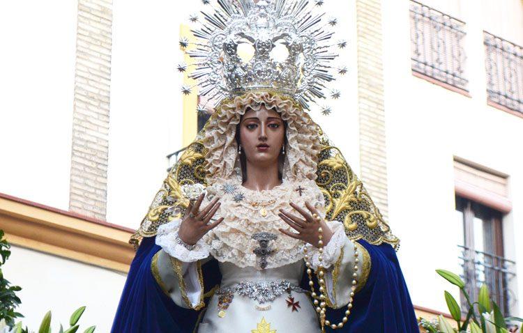 Besamanos a la Virgen de la Estrella para conmemorar el Domingo de Resurrección