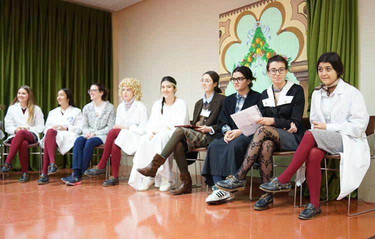 Una actividad del colegio Sagrada Familia dedicada a las mujeres científicas y la igualdad de oportunidades