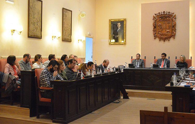 El gobierno local (PSOE-IU) rechaza hacer públicos los 400.000 euros de gastos de publicidad y propaganda (AUDIO)