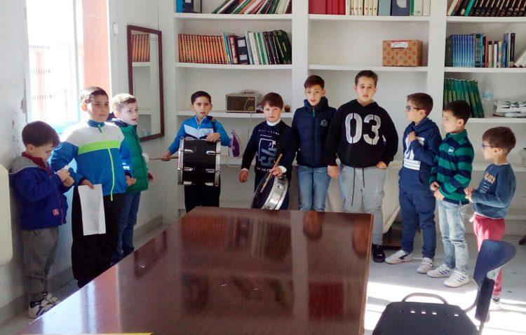Una decena de niños participa en la «Escuela del carnaval» de Los Molares