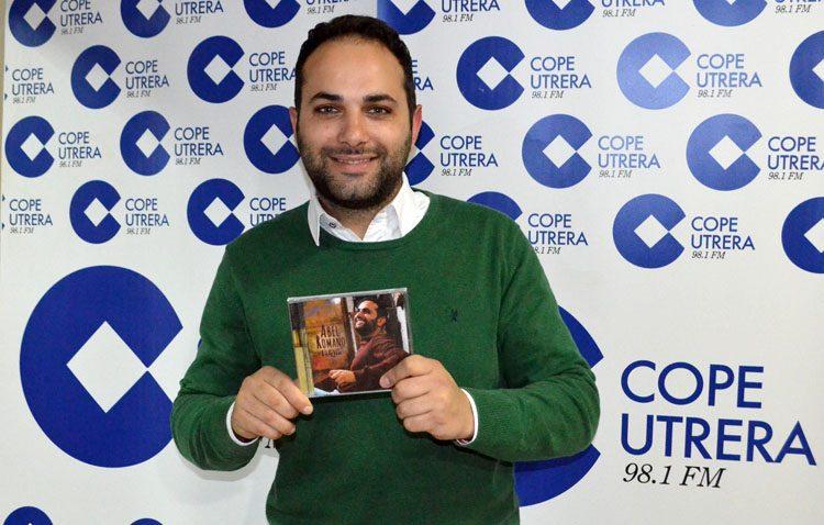 El utrerano Abel Romano presenta su nuevo disco con un concierto en el teatro (VÍDEO)