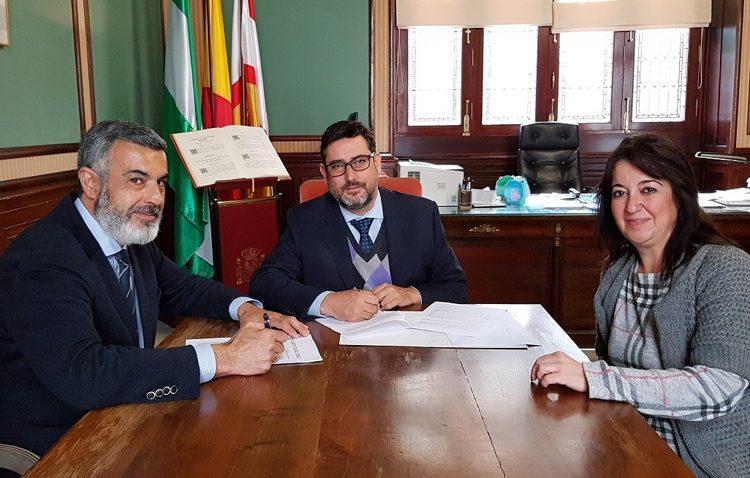 El Consejo de Hermandades y el Ayuntamiento de Utrera renuevan su convenio anual de colaboración