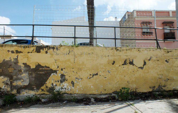 Aprobada una obra para evitar el derrumbamiento del muro de La Fontanilla