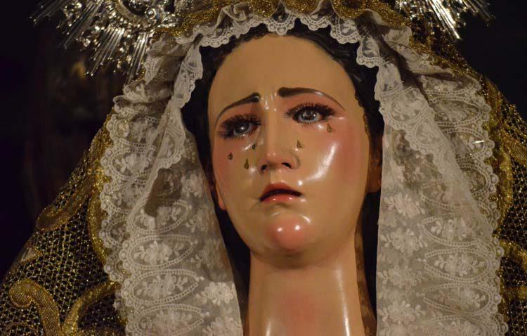 La previsión de lluvia aplaza la visita de la Virgen de la Amargura al geriátrico