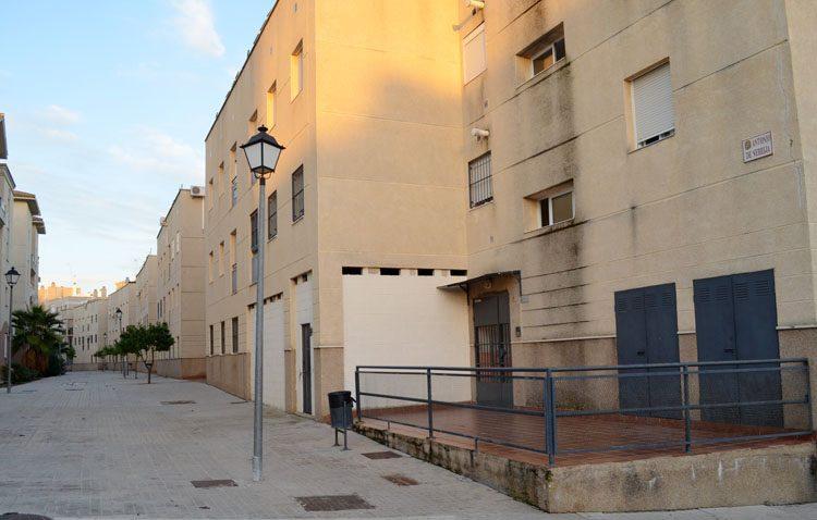Incertidumbre en las viviendas sociales de Antonio de Nebrija, que se las ha adjudicado Bankia «y podrá actuar sobre los alquileres»