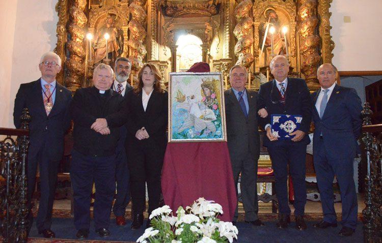 El «Mayo Mariano» abre sus puertas en Utrera con la presentación del cartel y la entrega de las pastas al pregonero