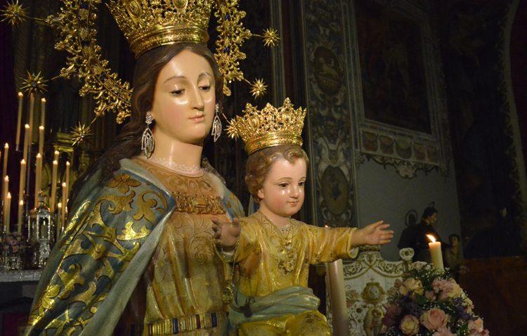 El fervor salesiano de Utrera a María Auxiliadora no hay lluvia que lo apague (GALERÍA)