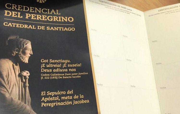 La credencial del peregrino del Camino de Santiago, disponible en el Consejo de Hermandades de Utrera