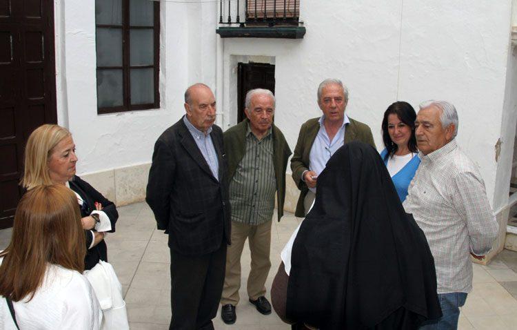 Versos sonoros de Fernando Villalón para ayudar a las Hermanas de la Cruz