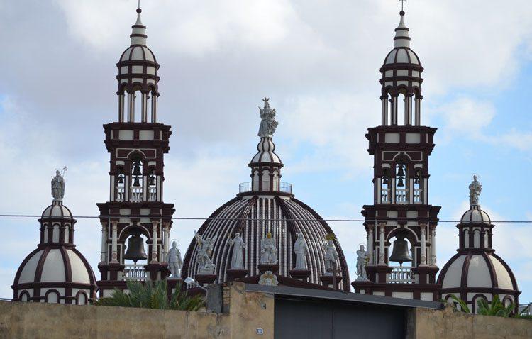 Una decena de llamativas historias en las cinco décadas de la iglesia palmariana