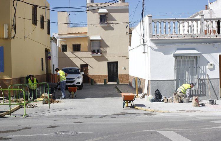 El gobierno local aprueba la privatización del mantenimiento urbano de Utrera por 400.000 euros