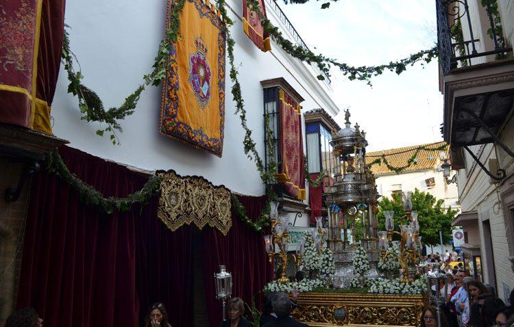 Un gran «Corpus Chico» pone el broche al junio eucarístico en Utrera (GALERÍA)