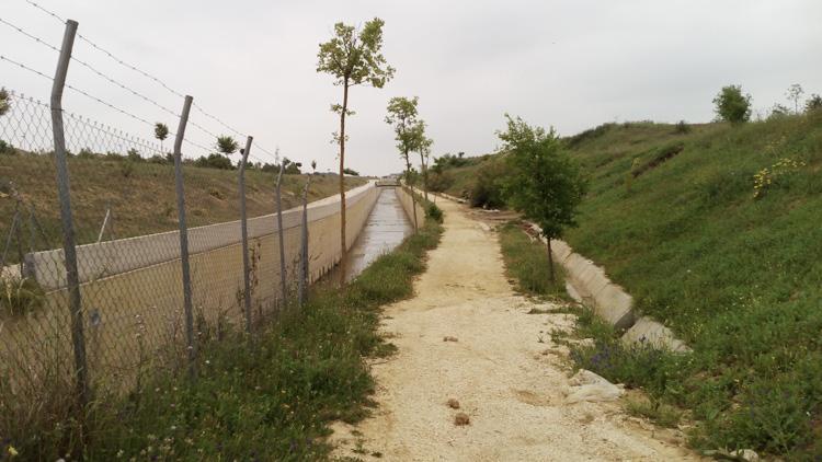 Las vallas de seguridad del canal del Calzas Anchas