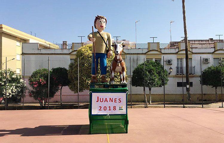 Las veladas en las barriadas de Utrera marcan la noche de Los Juanes