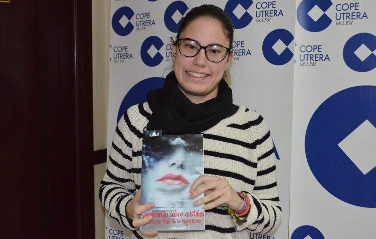 La utrerana María del Mar de la Vega refleja los problemas de los adolescentes en una novela